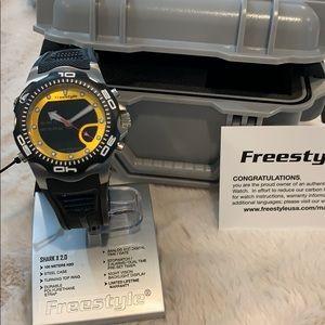 NWT Freestyle Shark X 2.0